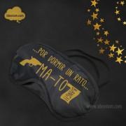 ideorium-antifaz-por-dormir-un-rato-mato-dorado